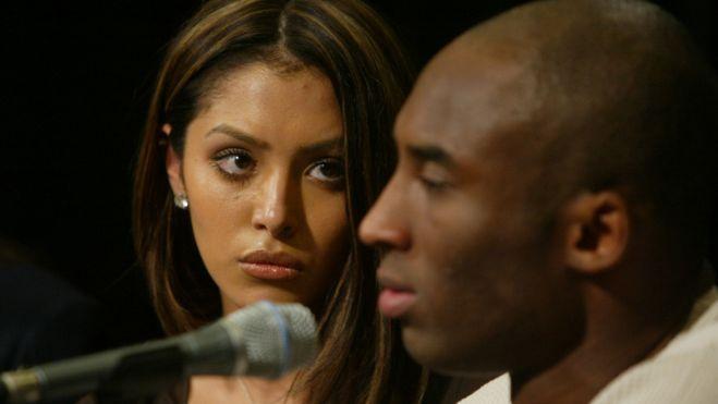 Kobe y su esposa